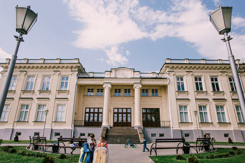 The complex of the former palace of the princes of Drutsk-Lyubetsky (end of the XVIII century)